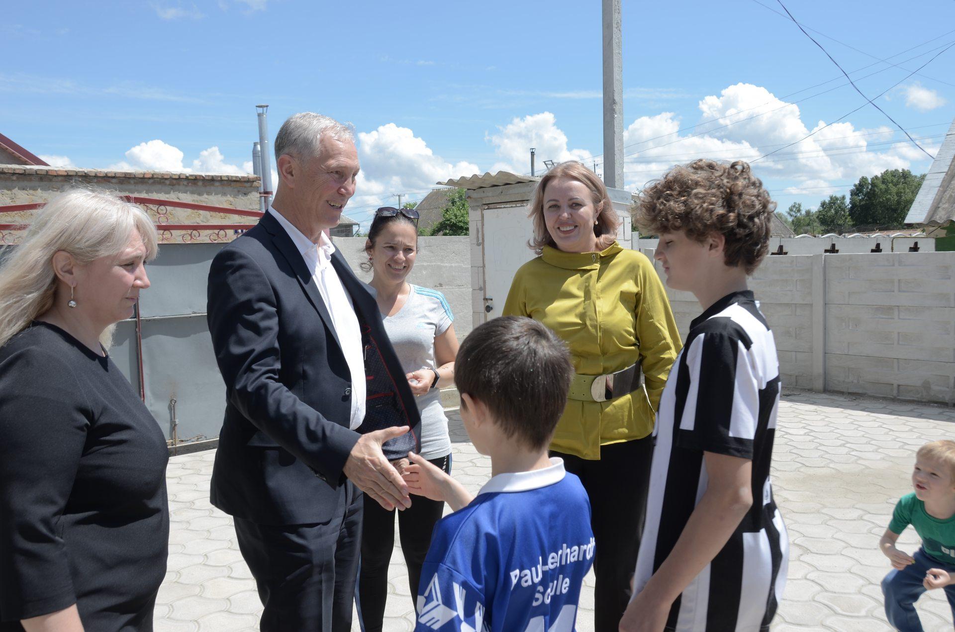 Сальдо отметил День защиты детей в кругу семьи