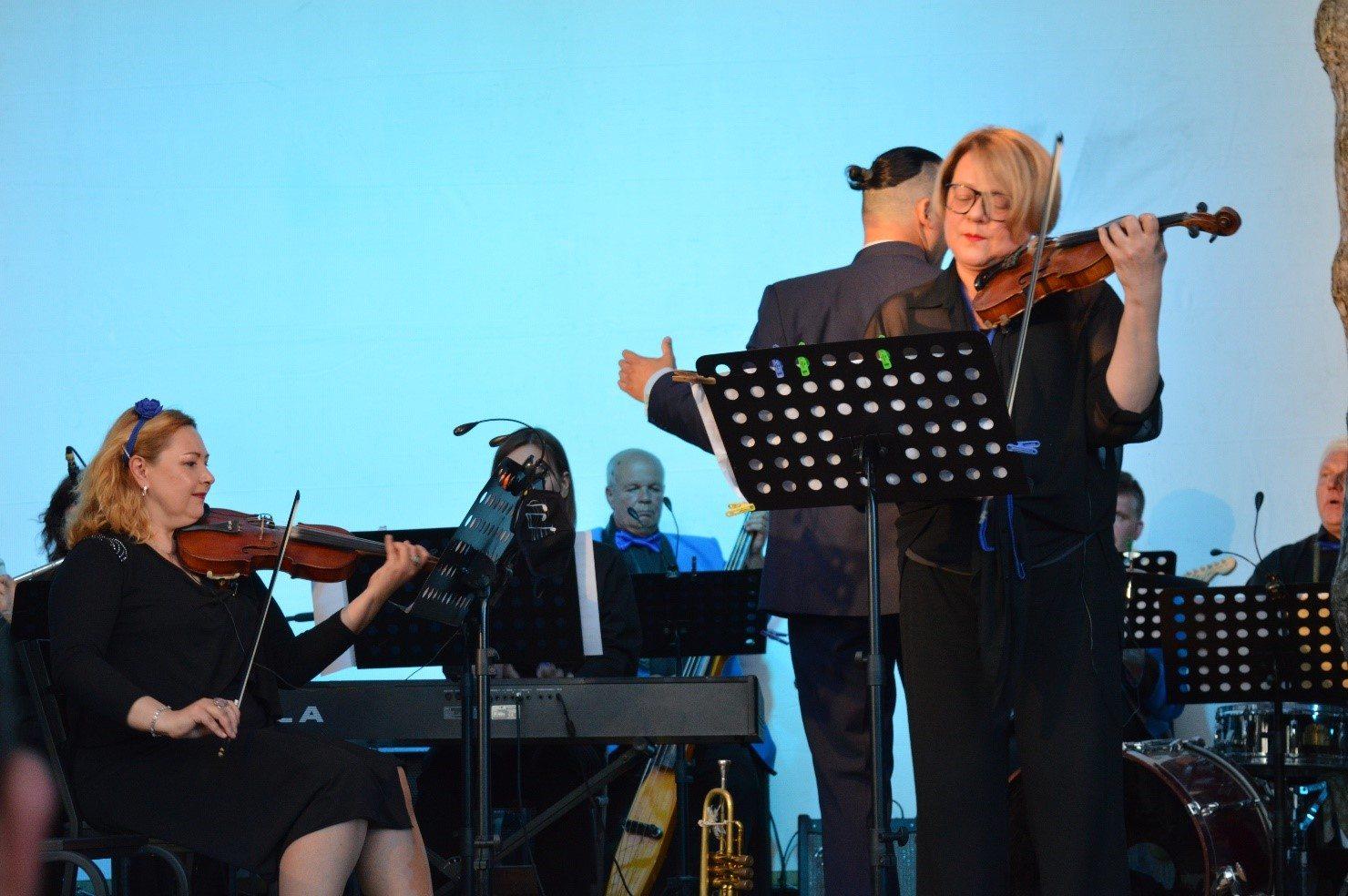 Херсонський драматичний театр запрошує на сеанс музичної терапії