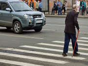 В Херсоне автомобиль на переходе сбил двух пенсионеров