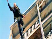 В Херсоне студент колледжа погиб, выпав с балкона многоэтажки