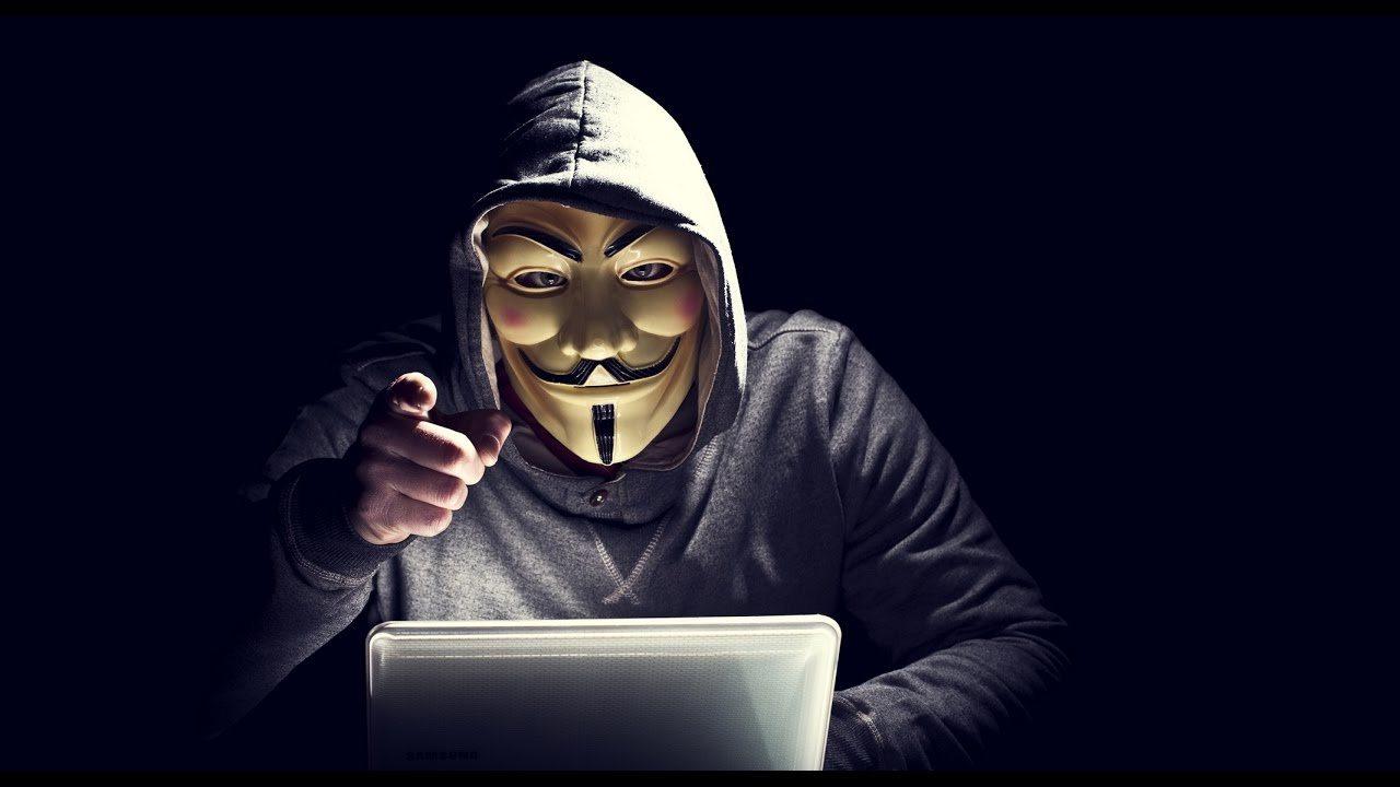 хакер, поліція, викрадання