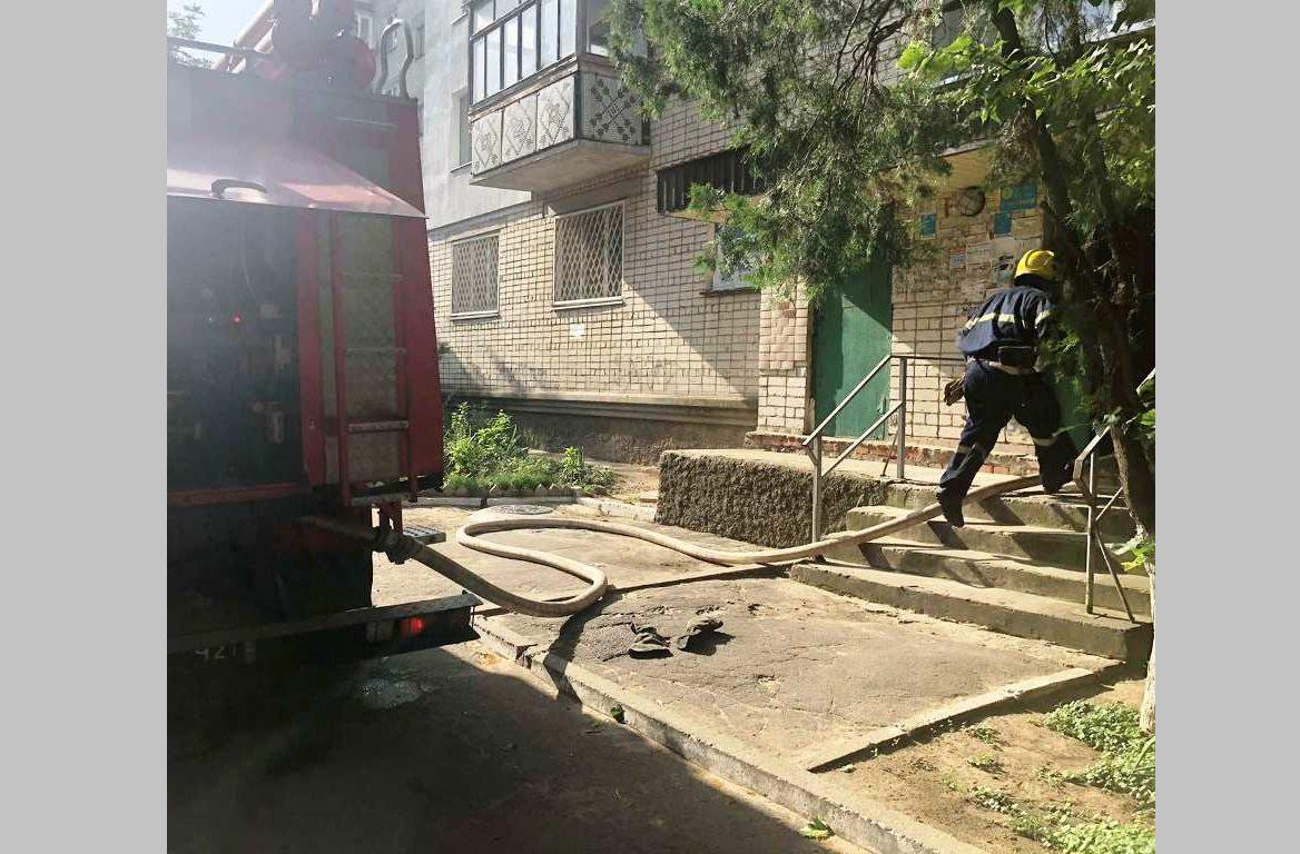 В Новой Каховке из-за пожара эвакуировали жильцов девятиэтажки