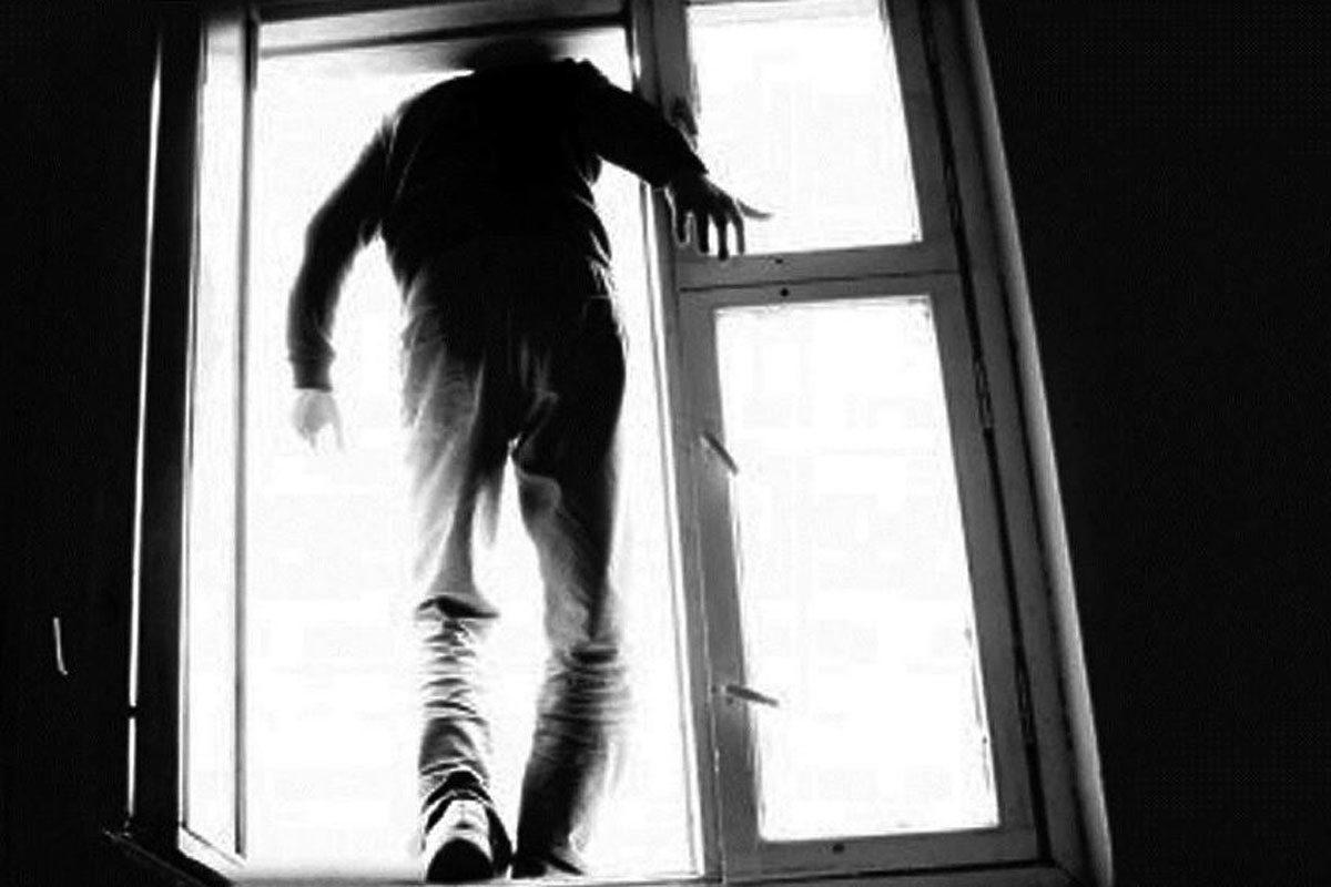 Херсон,выпасть из окна,подросток,общежитие