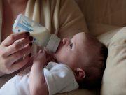 На Херсонщине мать случайно напоила младенца кислотой