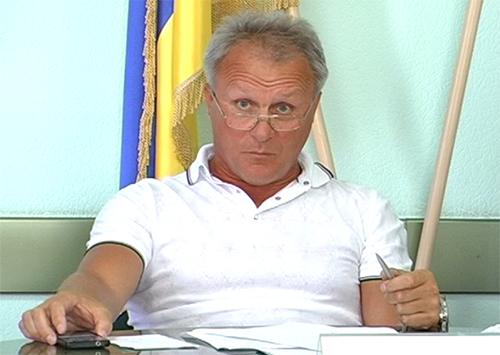 Олег Романюк мешает работе земельной комиссии?