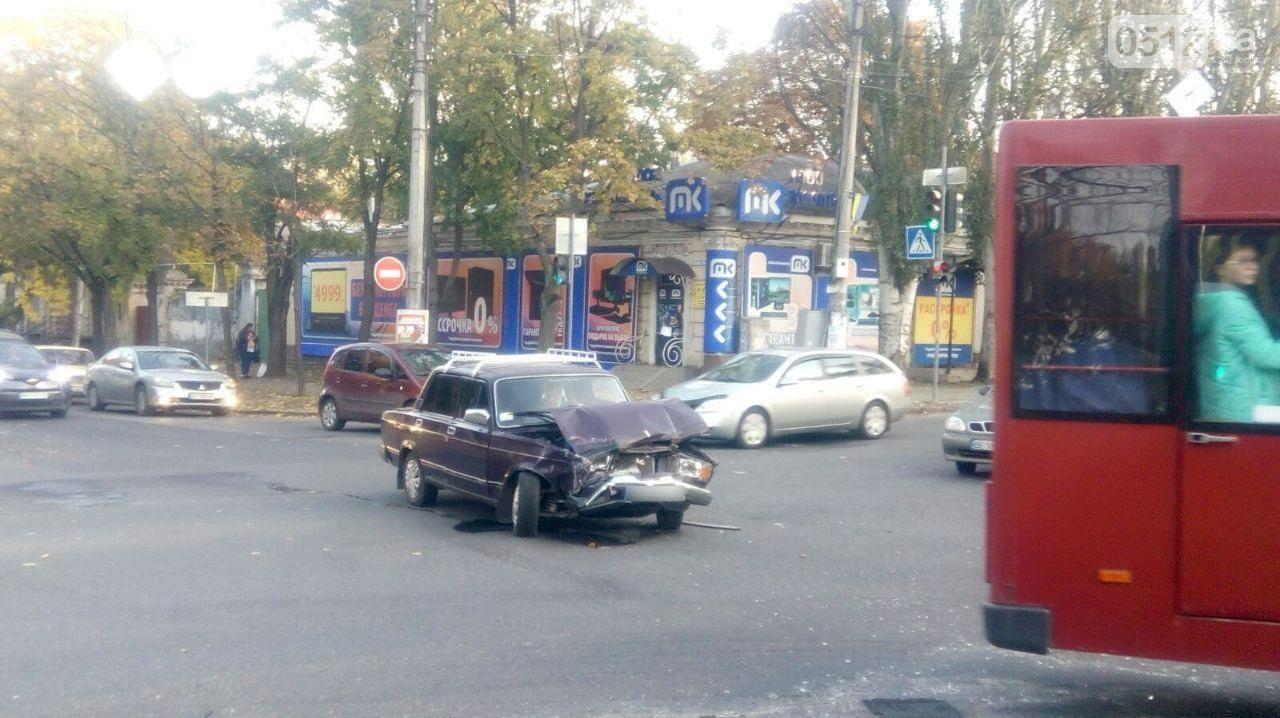 В Херсоне произошло два утренних ДТП