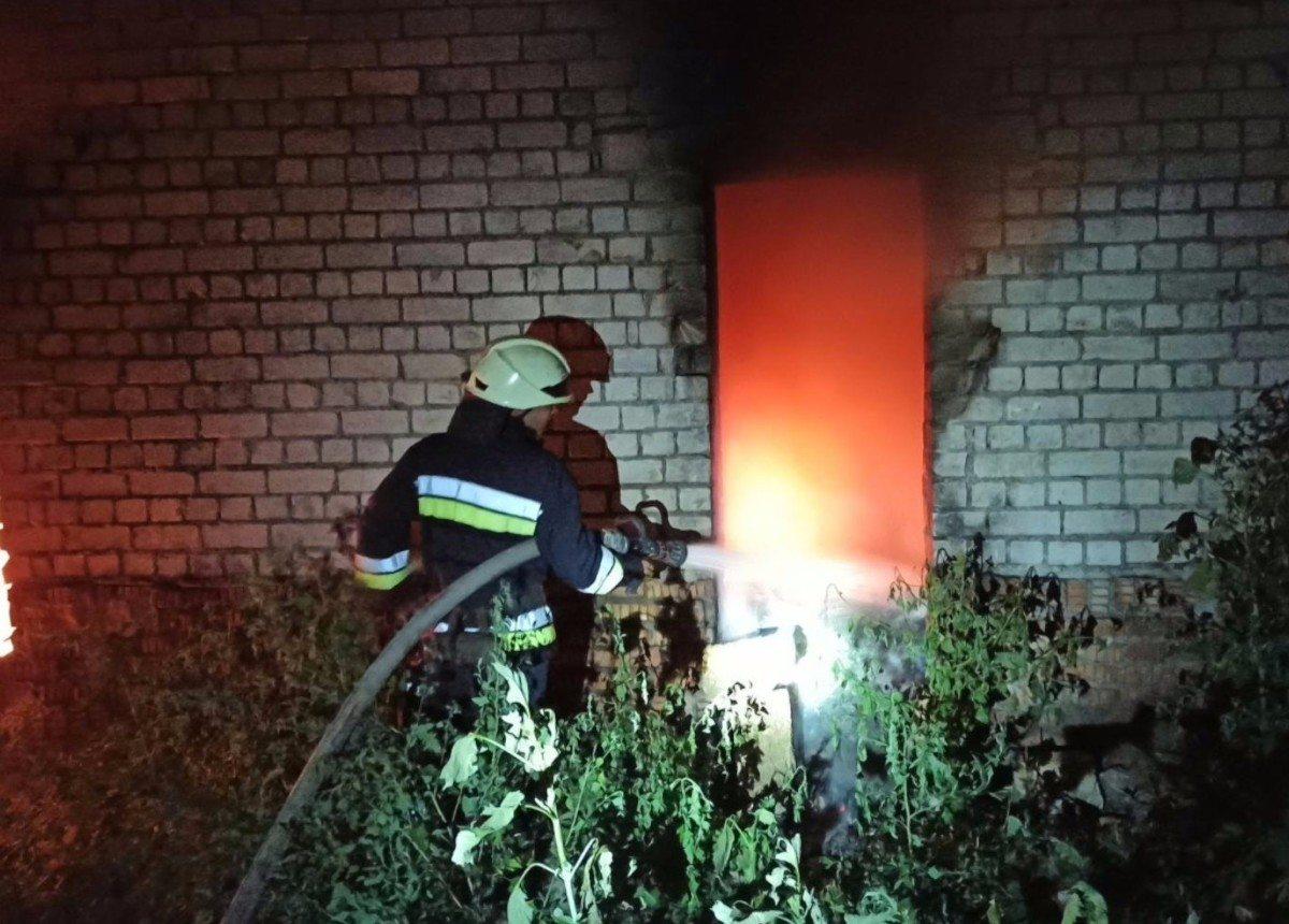 В Херсоне горело заброшенное здание