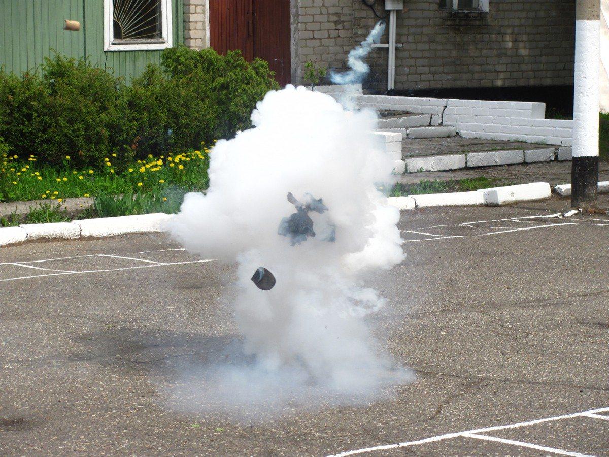 На Херсонщине во двор председателю сельсовета бросили взрывное устройство
