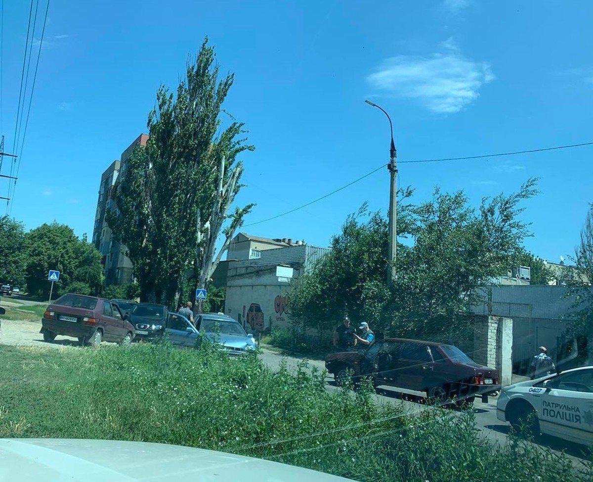 В Херсоне из-за дорожной аварии на ХБК образовалась пробка