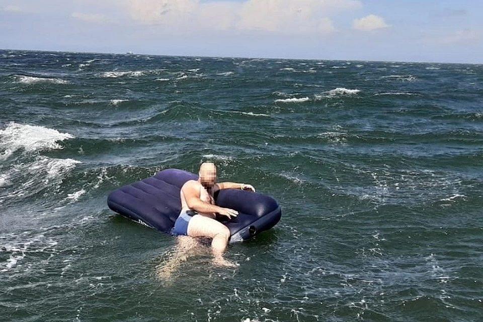 Тонущую в море девочку на Херсонщине член семьи оставил погибать