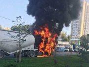 В Херсонской области на трассе загорелся грузовик с зерном