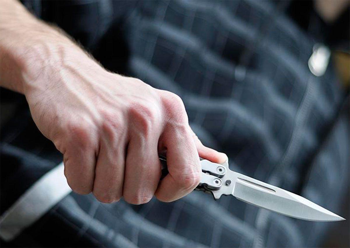 На Херсонщине неизвестный с ножом атаковал охрану свинофермы