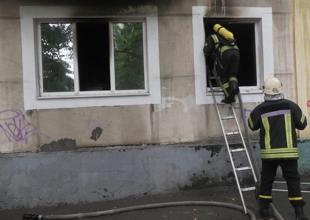 пожар, спасатели, задымление, девочки