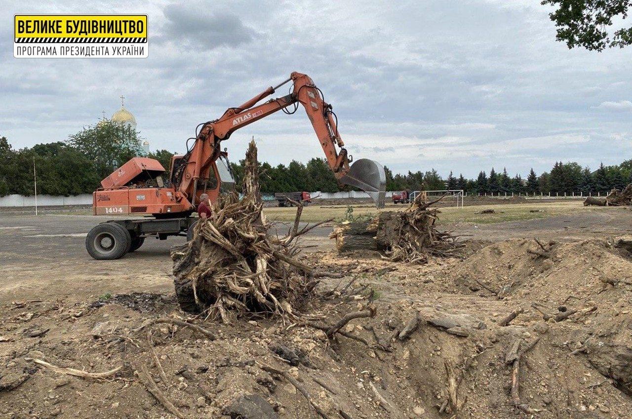 В Чернобаевке началось строительство стадиона