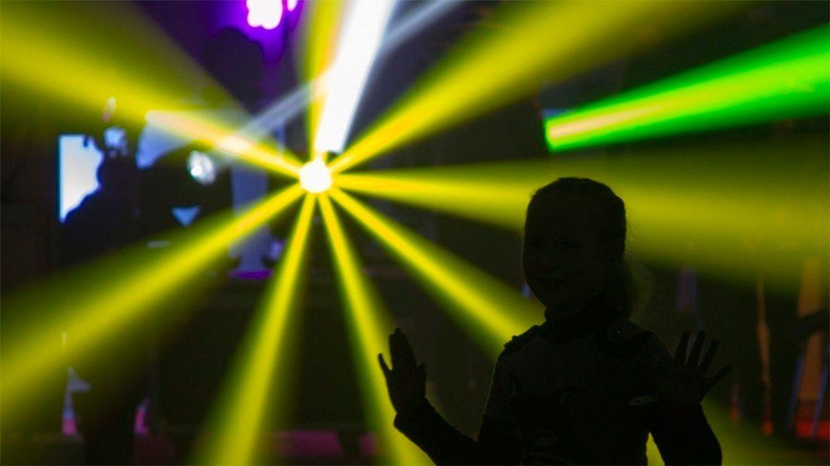 Курортницу на Херсонщине обокрали в ночном клубе