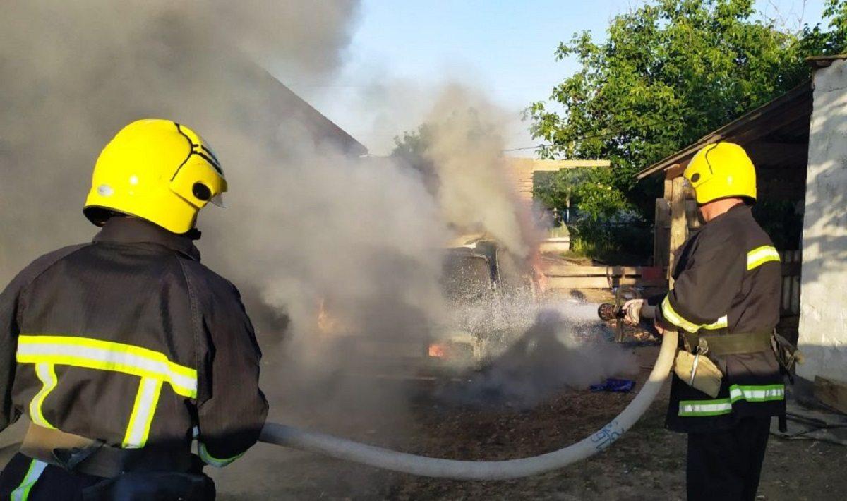 В Херсонской области сгорел ВАЗ-2107