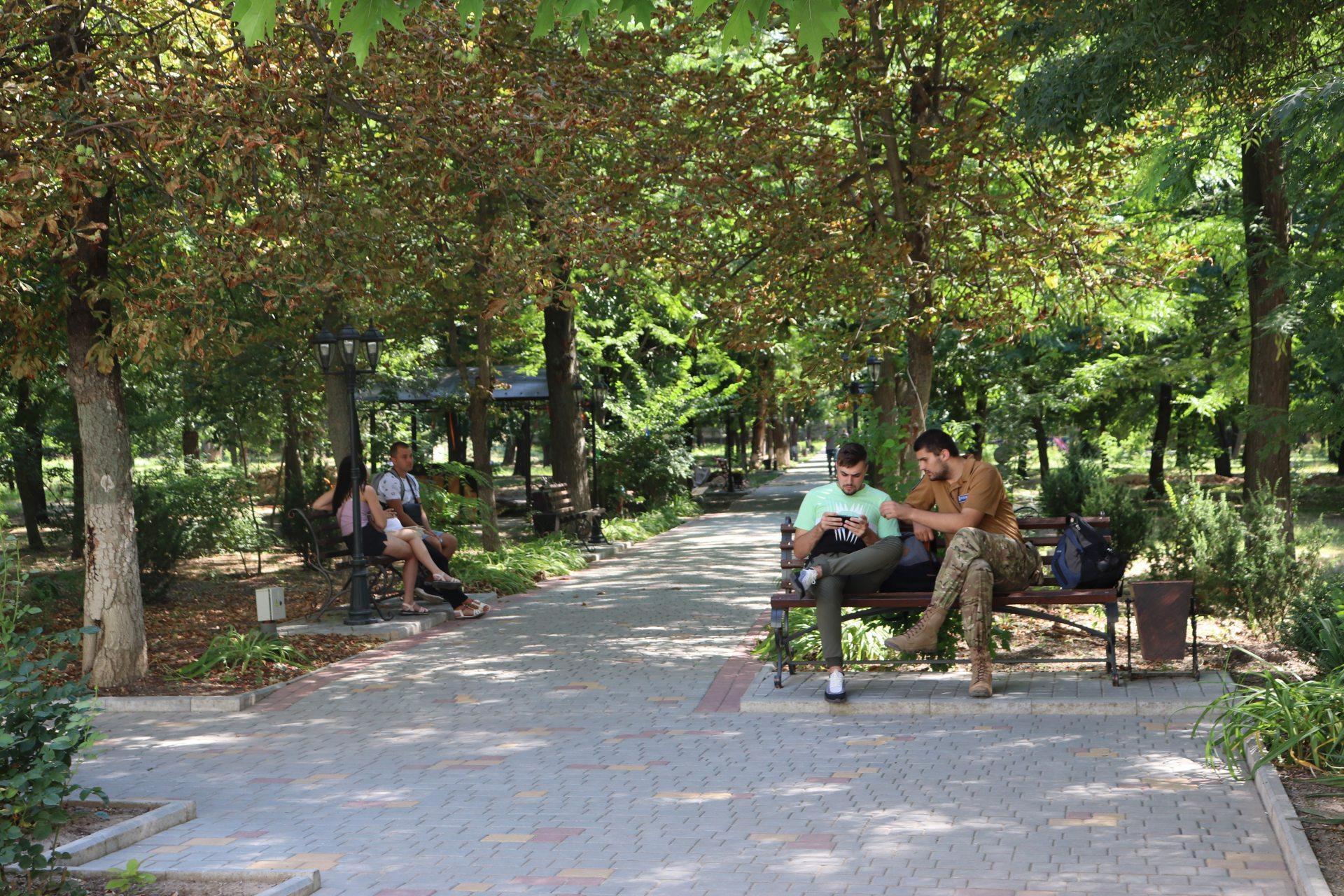 Паркове містечко Херсонського державного університету змінюється щодня