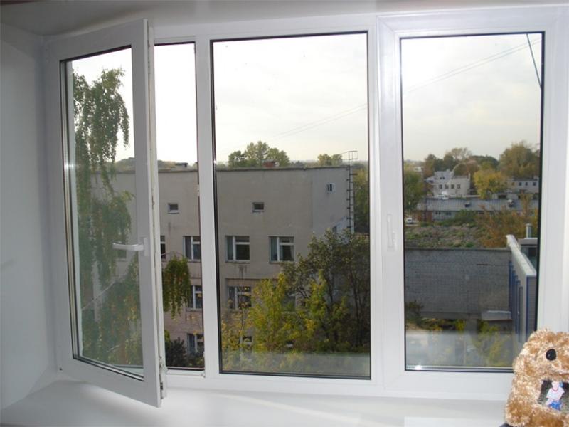 Економія на Херсонщині обернулася новими вікнами та дверима