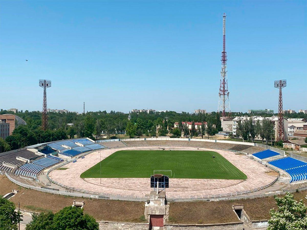 стадіон, директор, міськрада