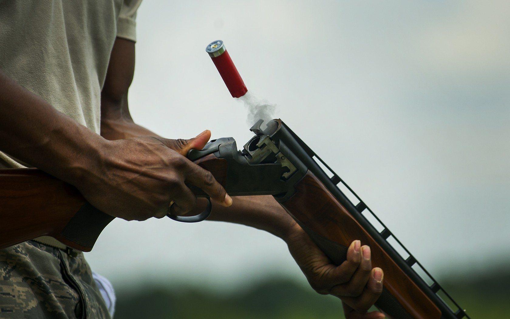 В Херсоне ссора возле ночного клуба закончилась огнестрельным ранением