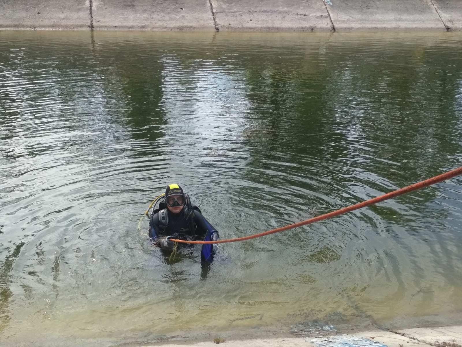 Водолазы на Херсонщине подняли со дна тело утопленника