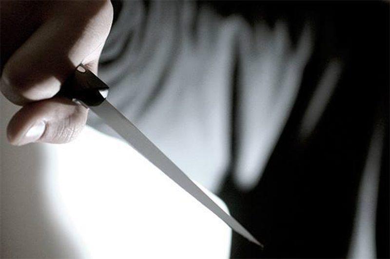На Херсонщине мужчина пытался отрезать себе голову