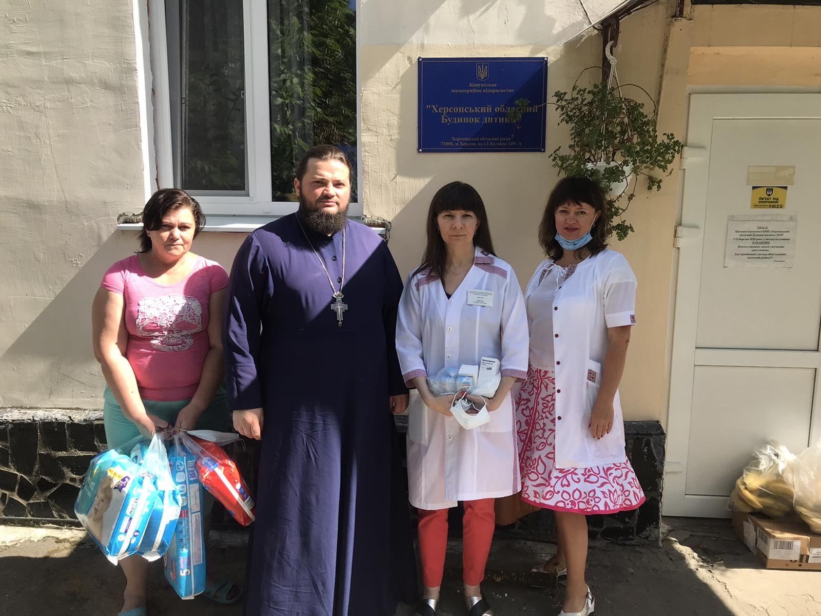 митрополит, дом ребенка, благотворителшьная помощь, прихожане