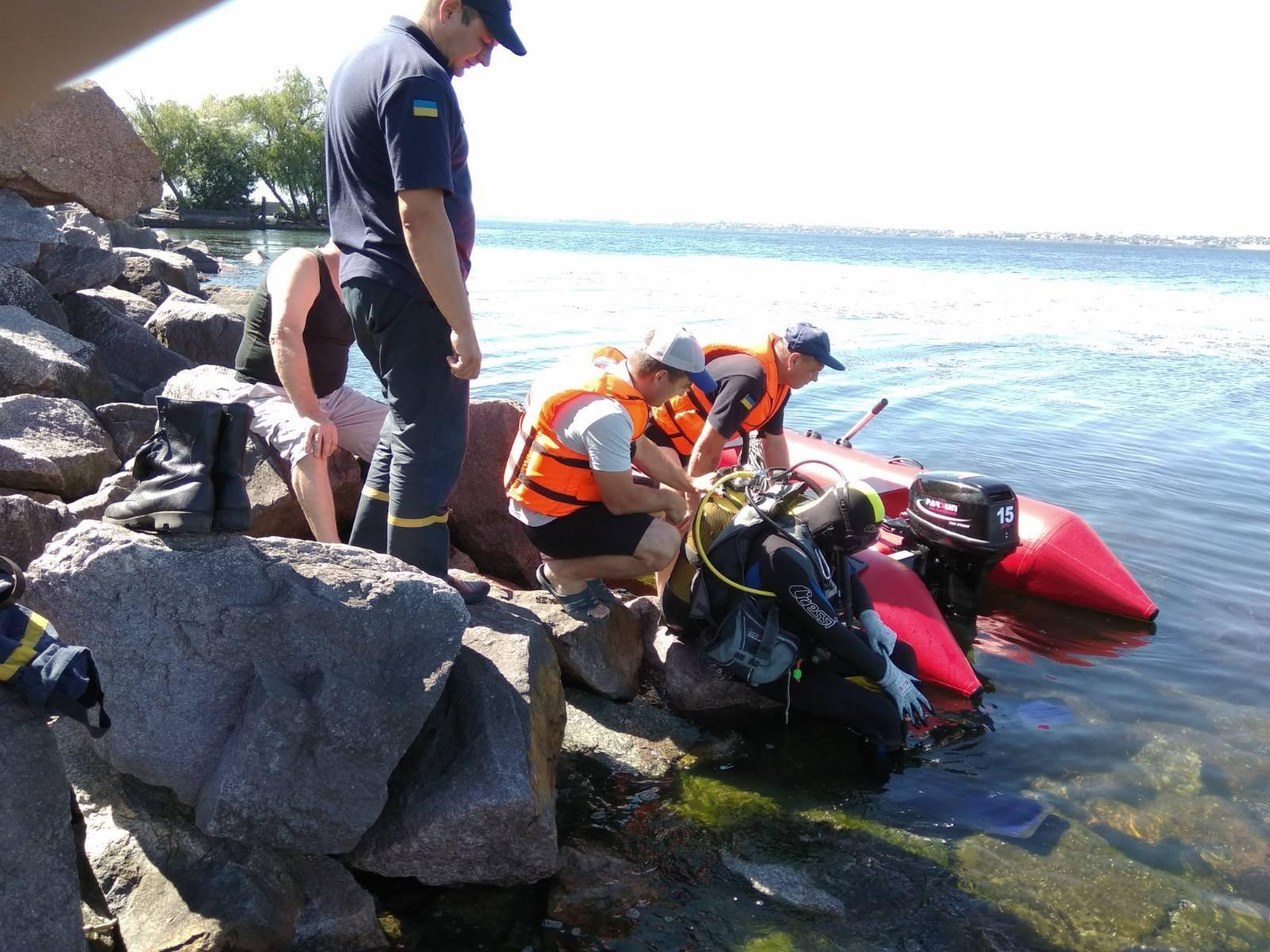 На Каховском водохранилище за сутки утонули двое мужчин