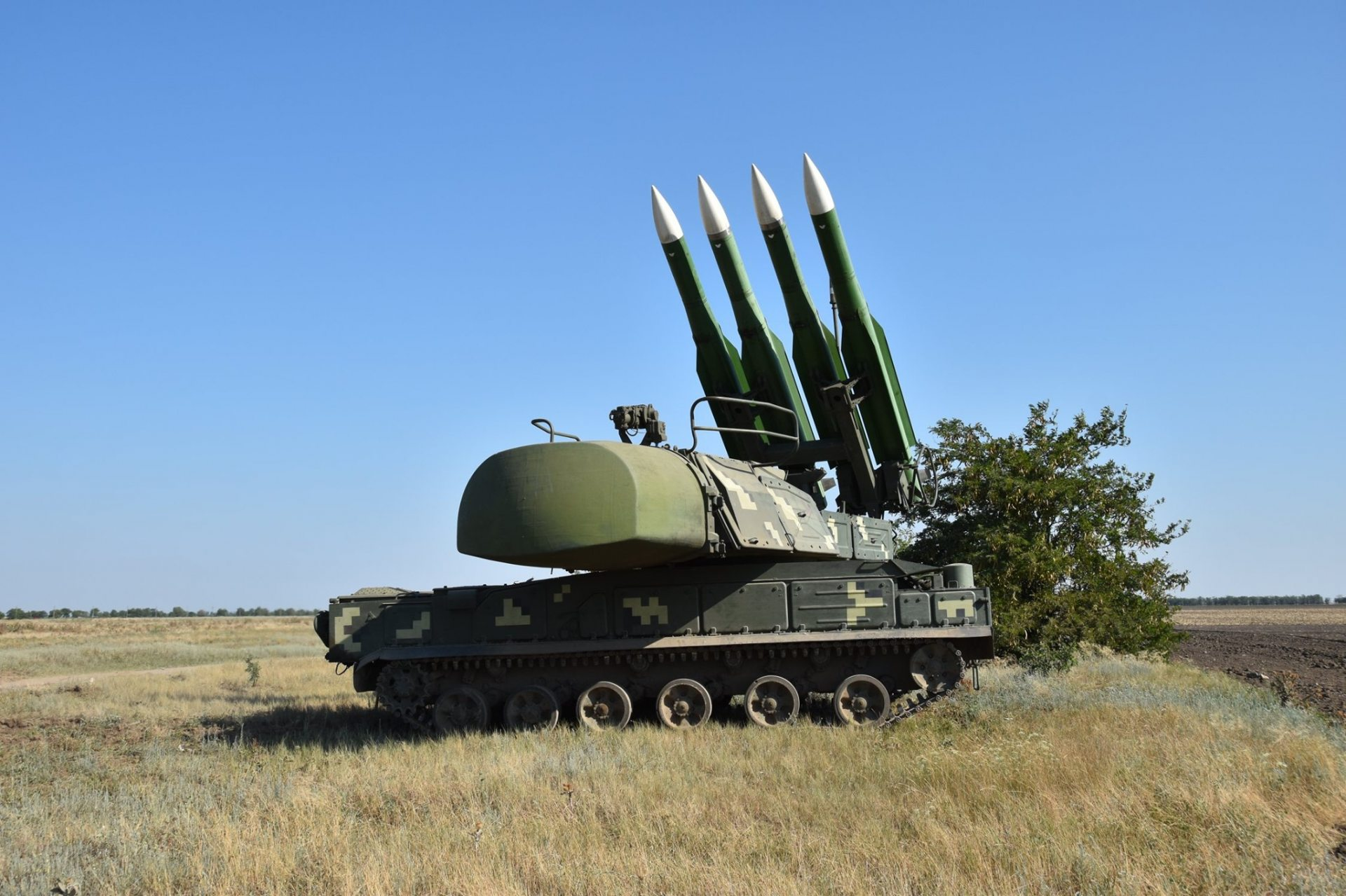 Силы ПВО прикрыли надежным щитом небо Херсонщины (фото, видео)