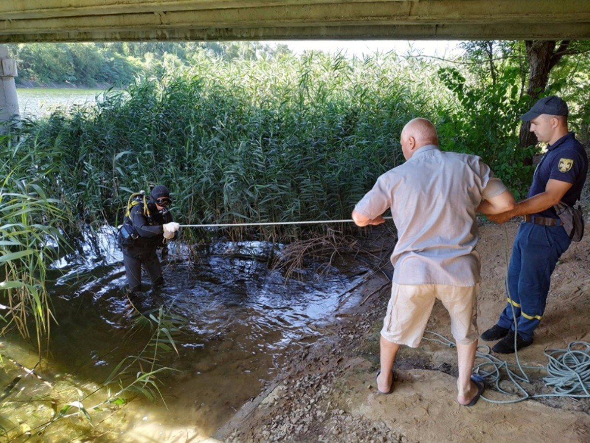 Херсонские водолазы нашли тело мужчины, утонувшего в Северо-Крымском канале