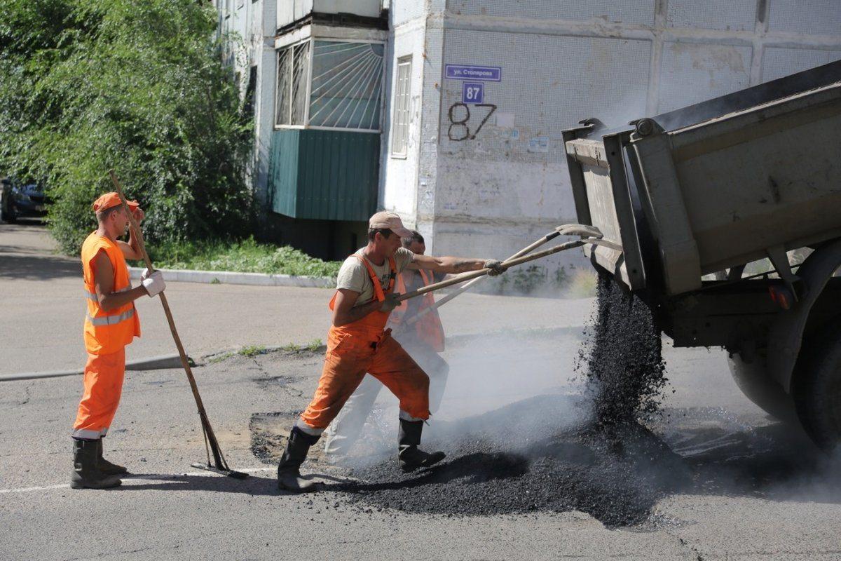 Мелкий ремонт дороги до Розовых озер обошелся в более чем в 2 миллиона гривен