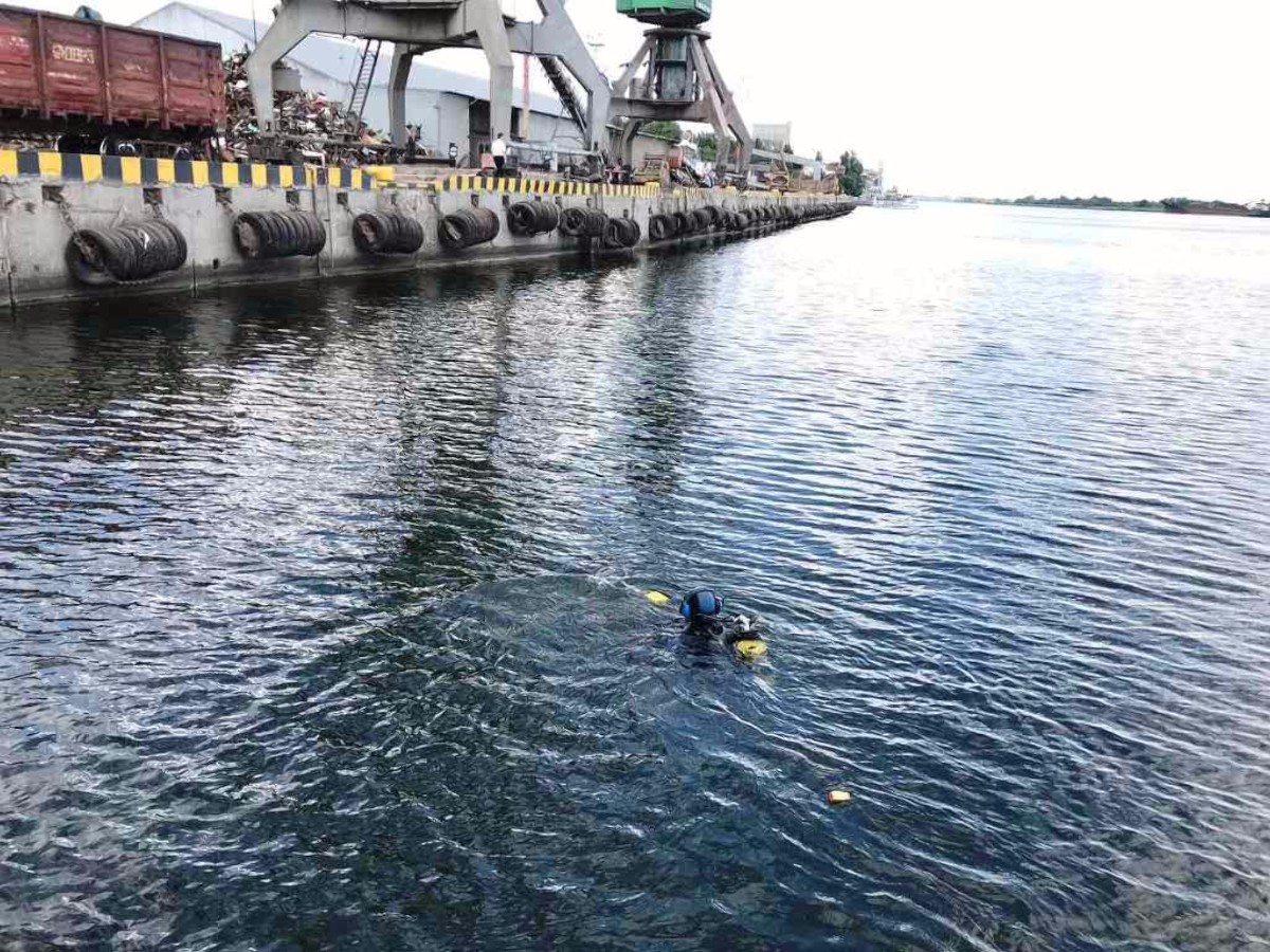 В Херсонском морском порту нашли миномётную мину