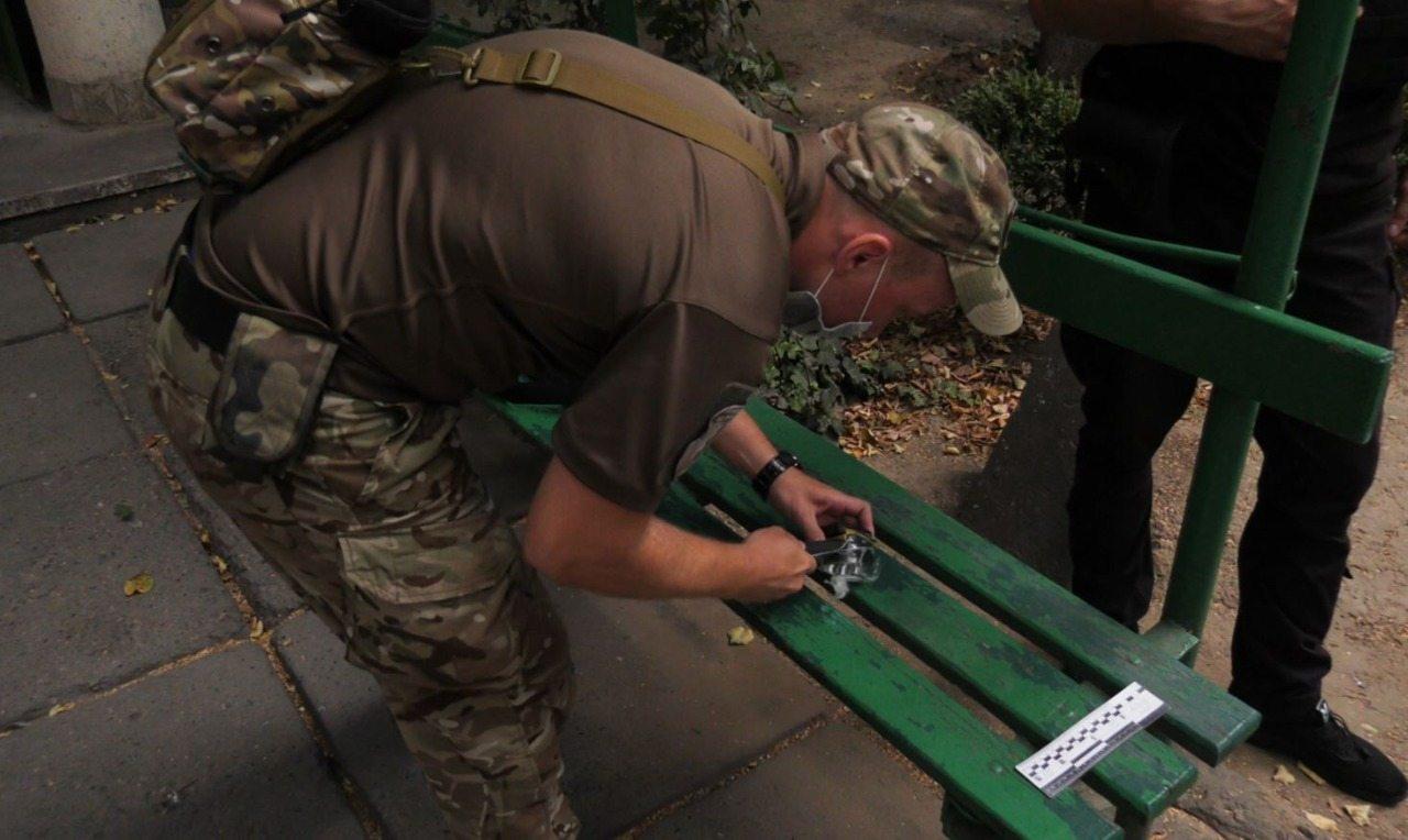 В Херсоне в многоэтажке нашли подозрительный предмет, напоминающий бомбу