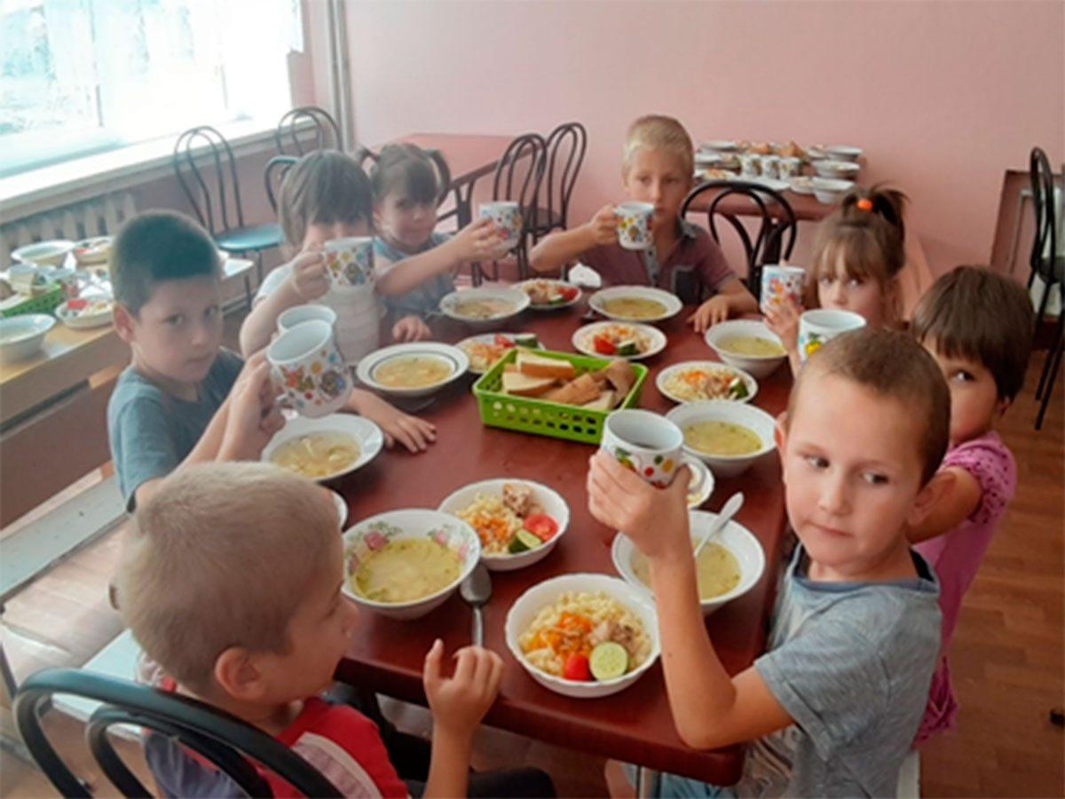 Херсонські діти та їх вихователі вдячні благодійникам