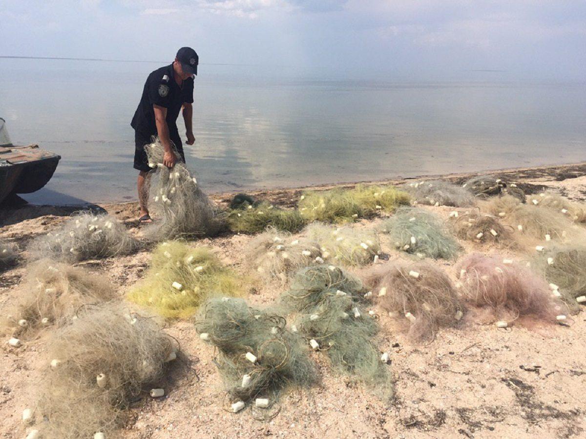На Херсонщині водні поліцейські припинили незаконний вилов риби та креветок