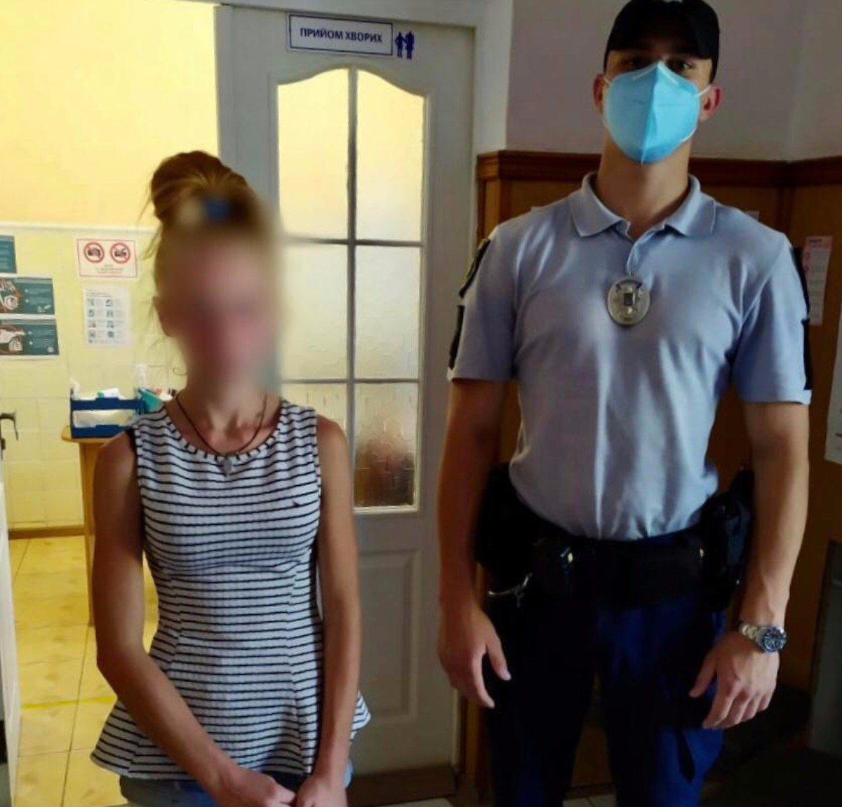 Херсонские полицейские защитили 15-летнюю девочку от отца и дяди
