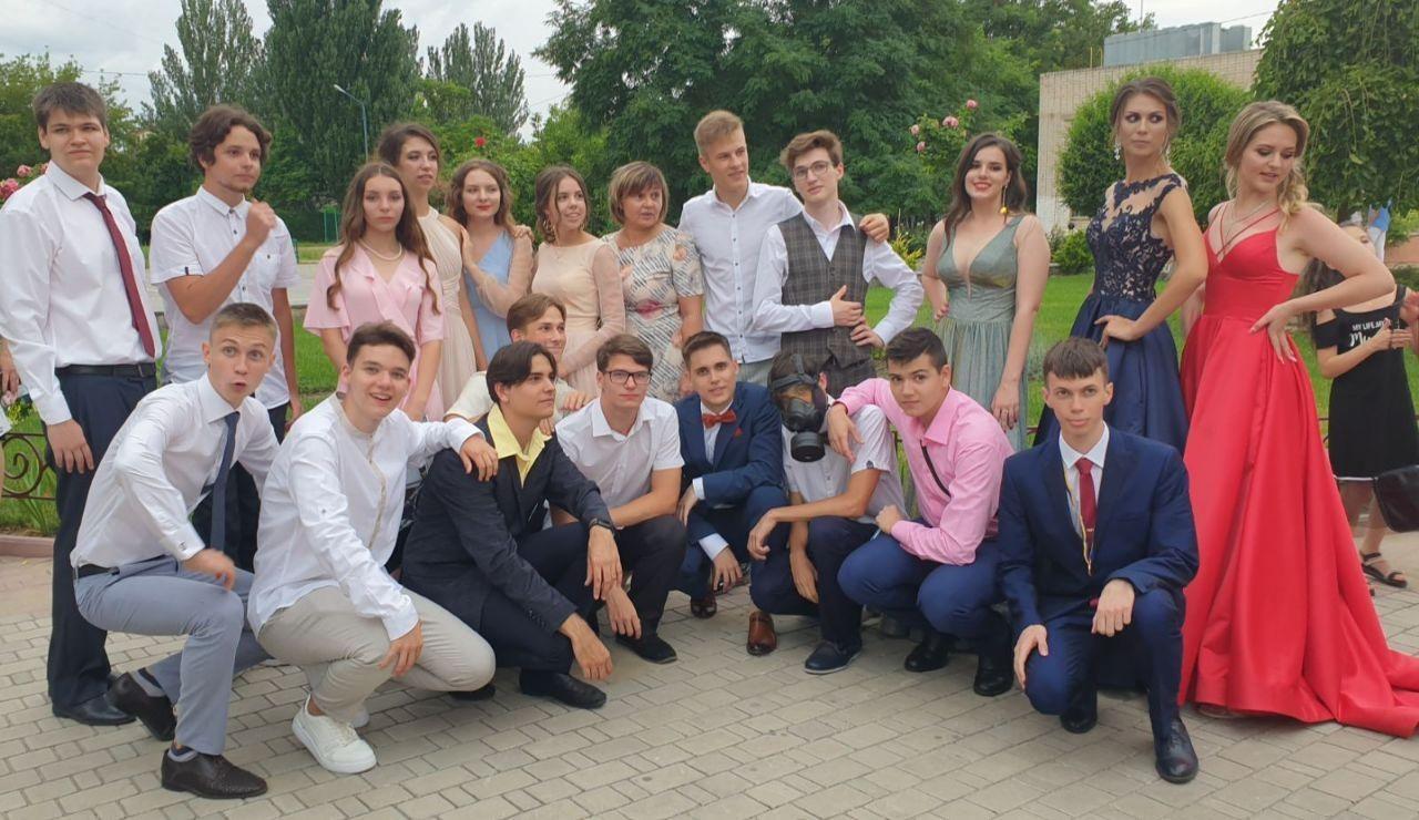 Выпускники херсонских школ получили 91 медаль