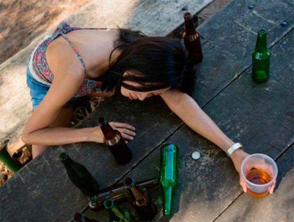 парк, школьница, пьяная