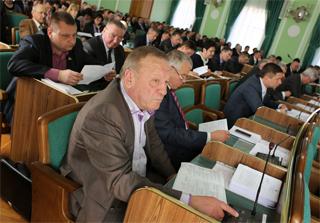 Работа депутатов облсовета не вызывает особого интереса у прессы