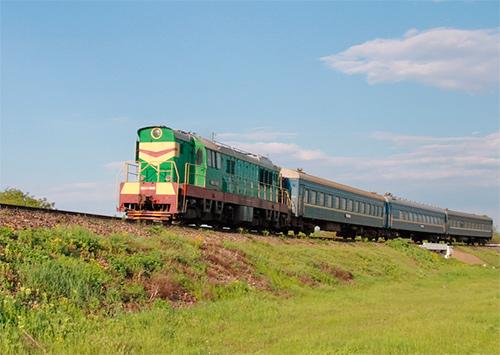 Приміські поїзди «гальмують» збитки