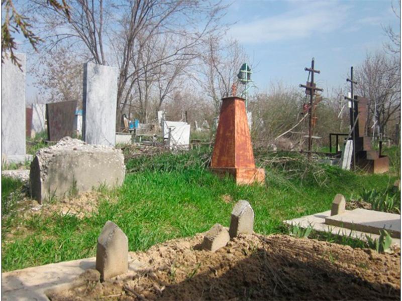 На Херсонщине опять осквернили могилы