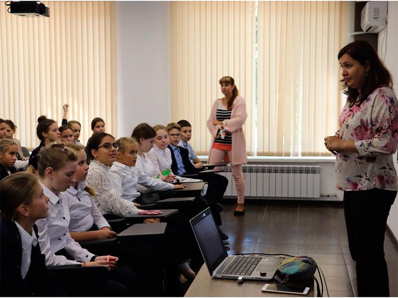 Херсонських школярів навчають безпечно користуватися Інтернетом