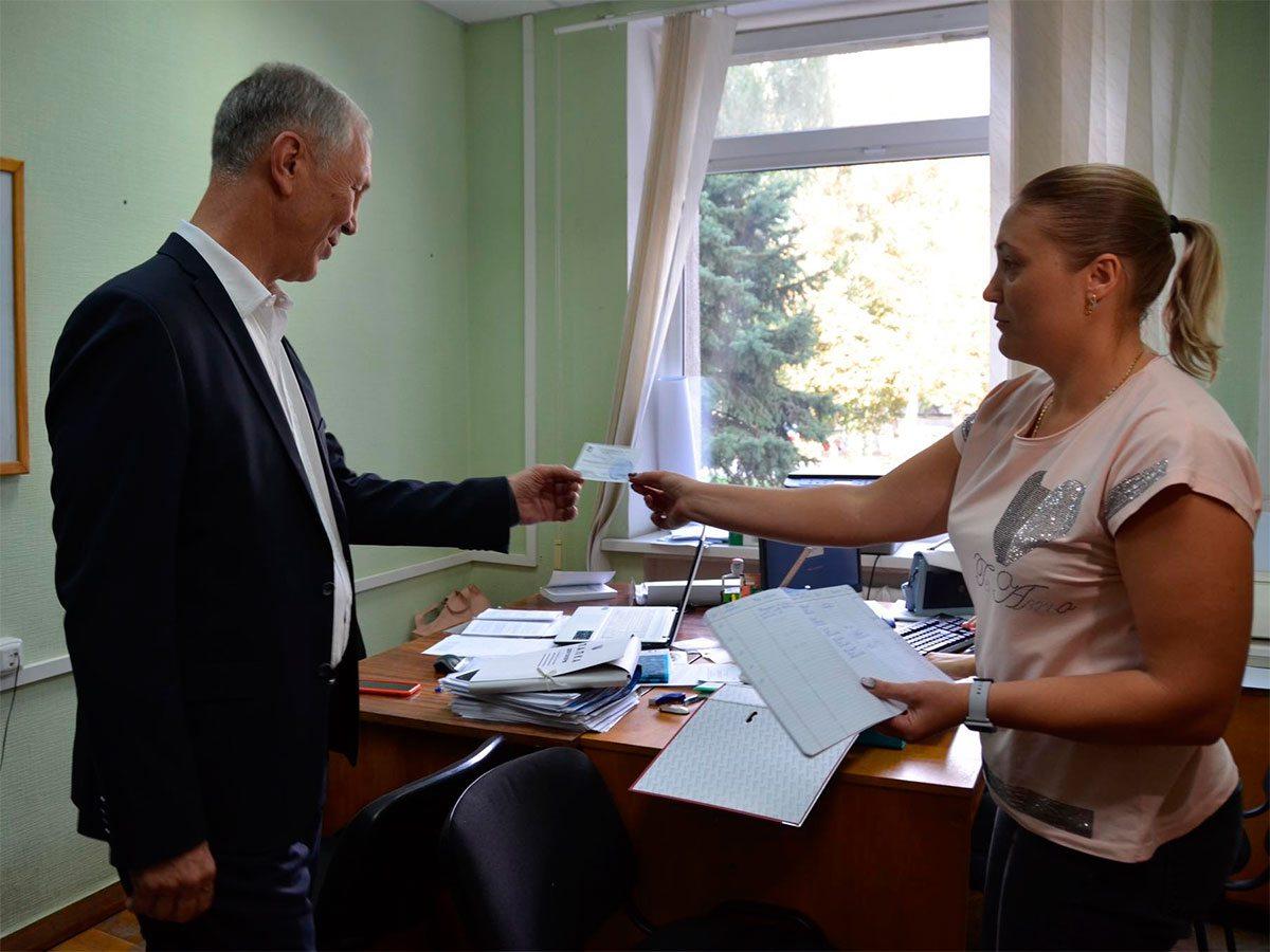 Сальдо вручили удостоверение кандидата на пост городского головы Херсона