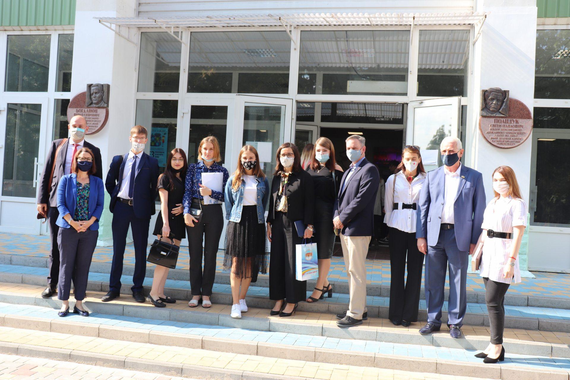 Надзвичайний та Повноважний Посол Канади в Україні Лариса Ґаладза провела лекцію для студентів ХДУ