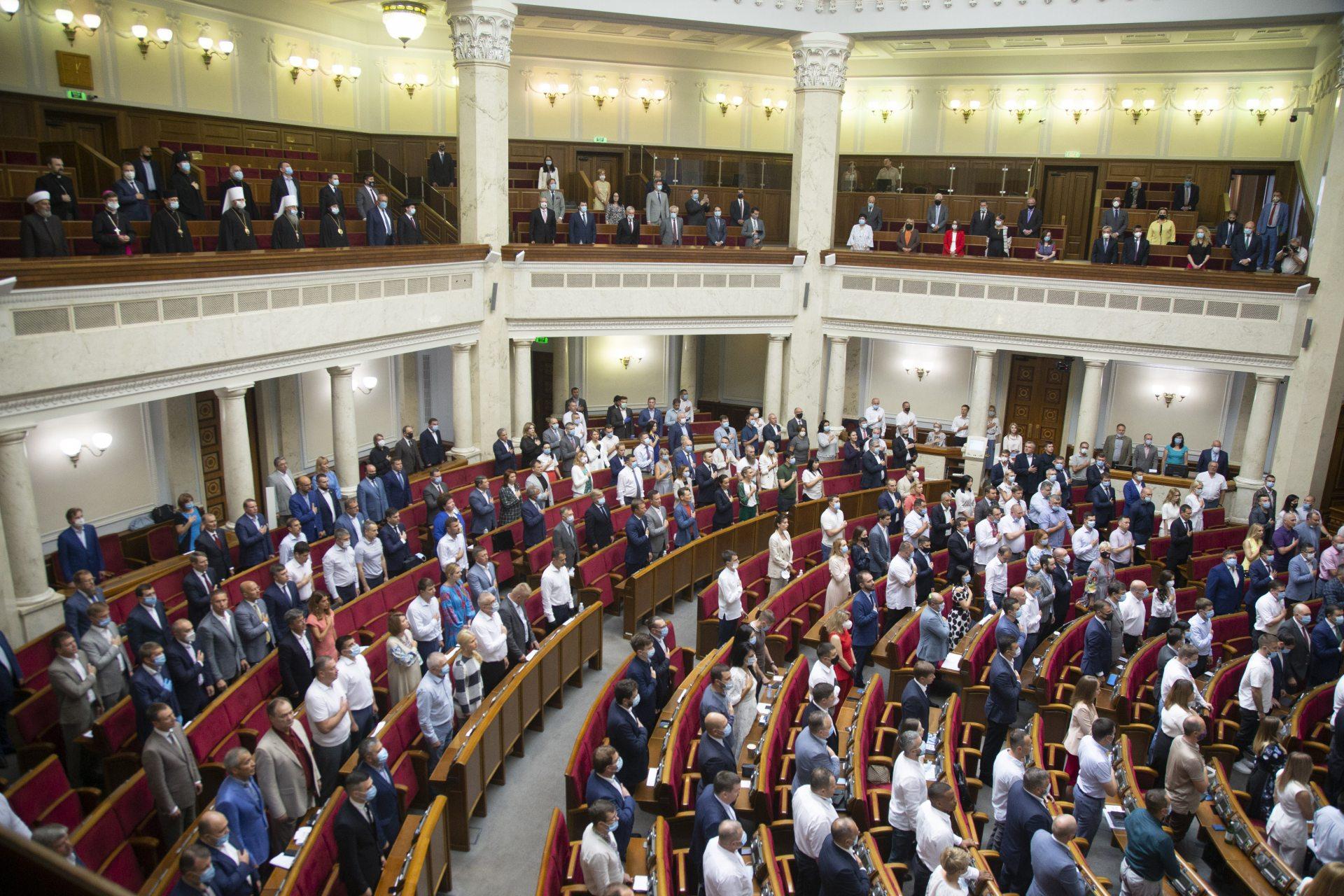 Народний депутат Ігор Колихаєв вимагає підвищення посадових окладів вчителів