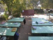 Школа в Херсонской области перешла к занятиям на улице