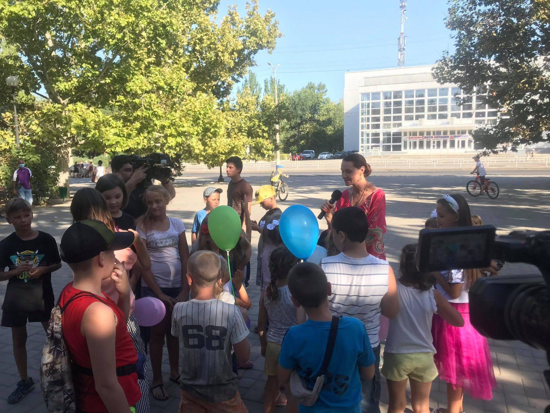 В День знаний херсонские школьники читали стихи