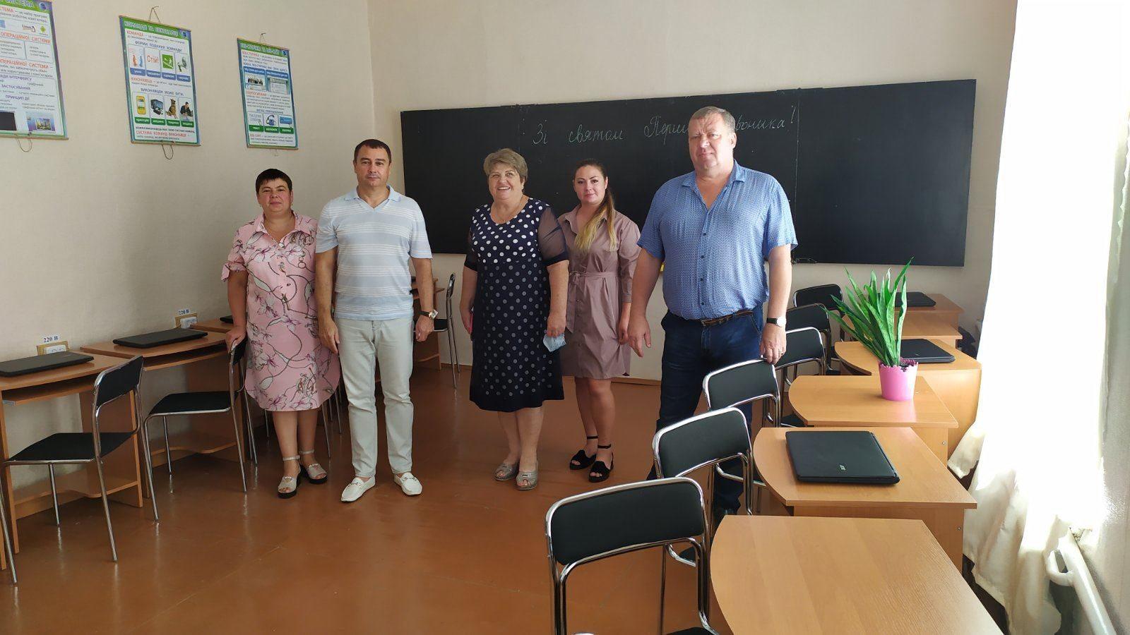 В Геническом районе благотворители помогают школам