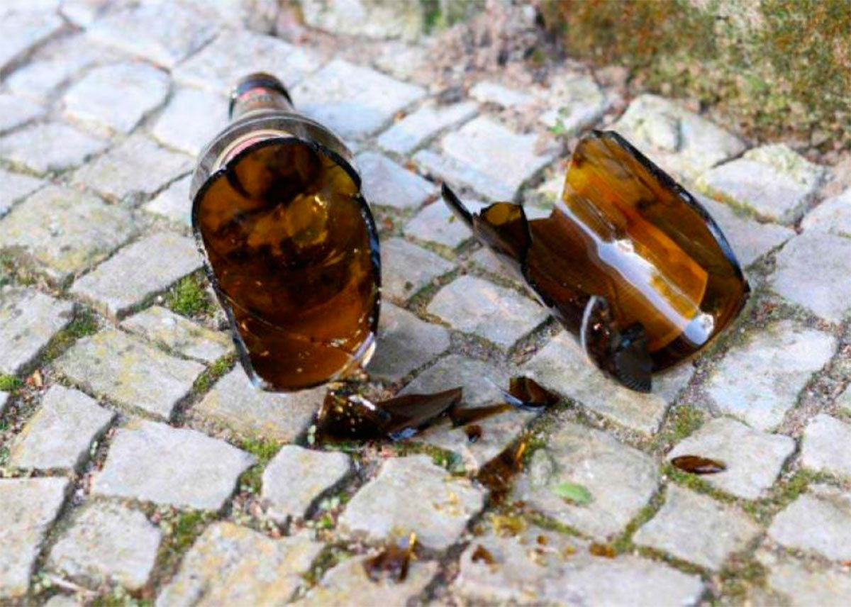 В Херсоне ребёнку попали бутылкой по голове