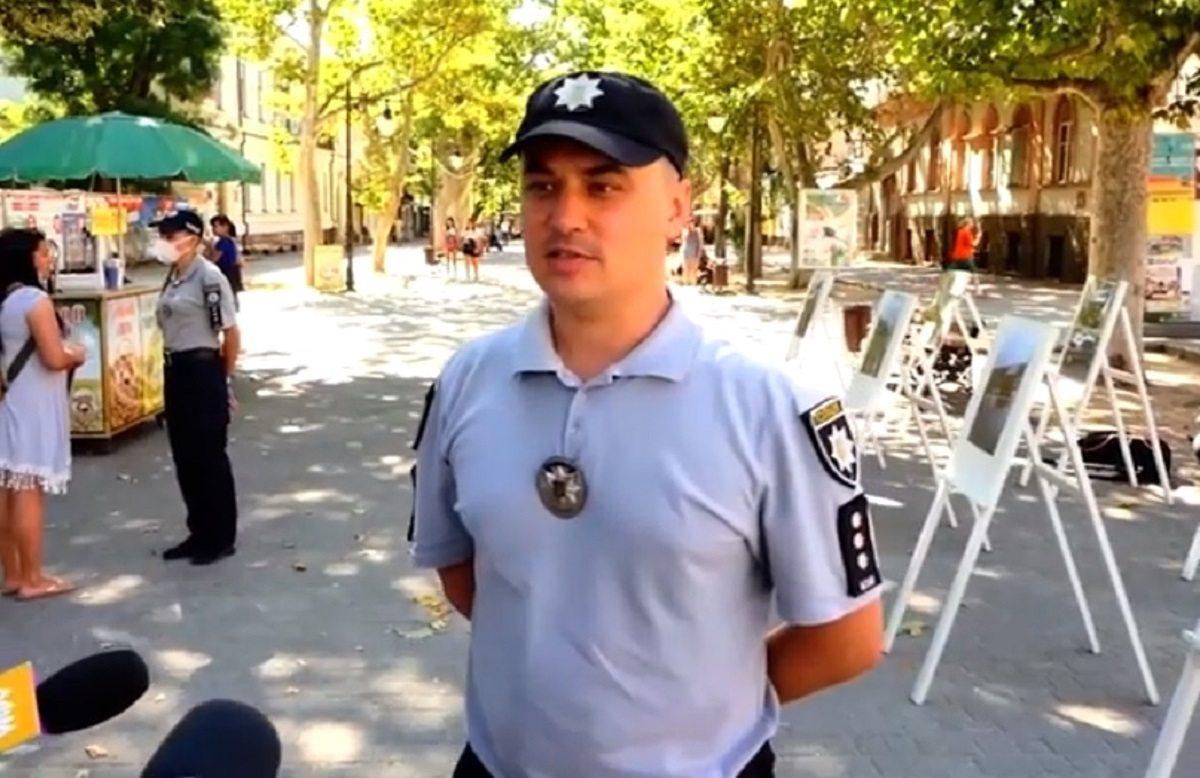 На центральній вулиці Херсона поліція влаштувала фотовиставку
